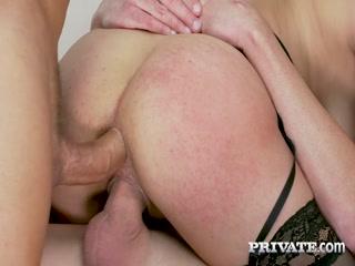 Порно видео с русской лесбиянкой, которая любит ебаться