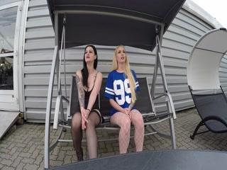 Смотреть порно видео с блондинкой, которая любит сосать у охраны на работе